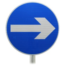One Way Sign Round Post Mounted Diagram 606 R2/RA2